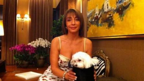 Fosta soţie a lui Puiu Popoviciu, prime de 300.000 de lei pentru salariaţii de la Casa Doina