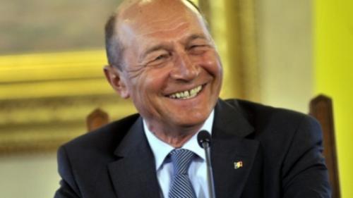 Băsescu: Opoziţia pare a face un blat cu PSD refuzând să depună o moţiune de cenzură