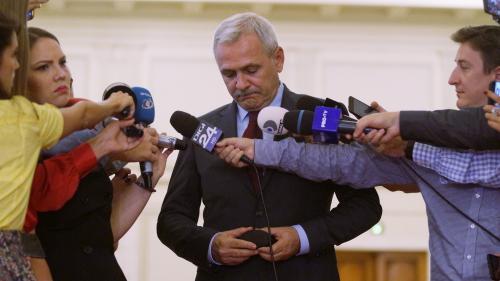 Dragnea: Atacul cu fotografiile publicate îi aparţine lui Maior. Ponta e poştaşul