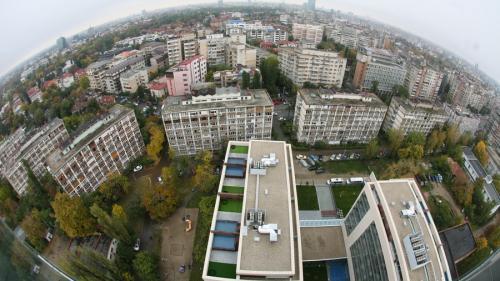 Avertismentul președintelui Asociatiei Analistilor Financiari-Bancari: Nu cumpărați acum locuințe. Preturile vor scădea cel putin cu 25%-30% in urmatorii 2-3 ani