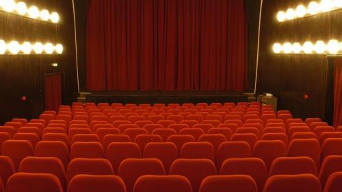 Teatrul Mic îşi invită publicul într-o nouă sală de spectacol