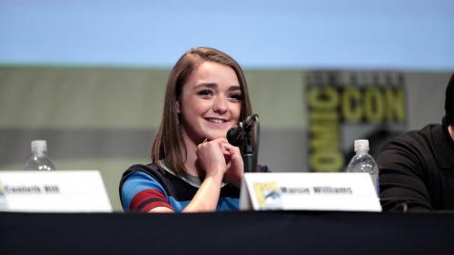 Maisie Williams - Arya Stark în Game of Thrones - îşi face debutul în lumea teatrului