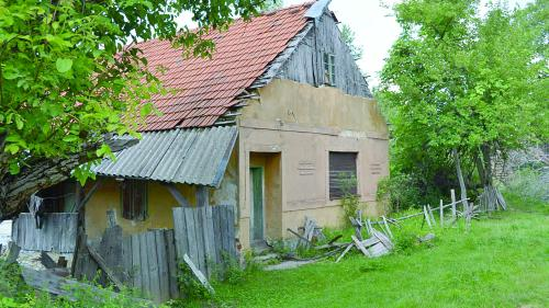 Lindenfeld, satul părăsit și încremenit în timp