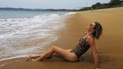 Gina Pistol, Liviu Vârciu și Andrei Ștefănescu,  momente de relaxare la Oceanul Indian