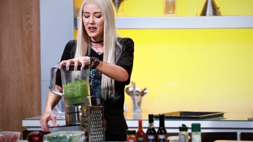 """Sora Danielei Crudu își încearcă norocul la """"Chefi la cuțite"""""""