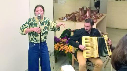 Jean Americanu', refugiat cultural în România