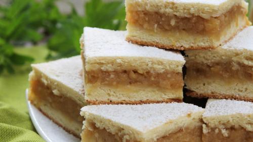 Reţeta zilei: Prăjitură cu mere