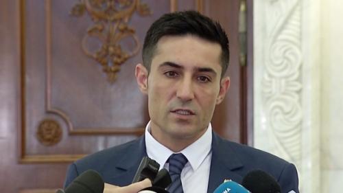 Senatorii PSD Niculae Bădălău şi Claudiu Manda audiaţi la DNA