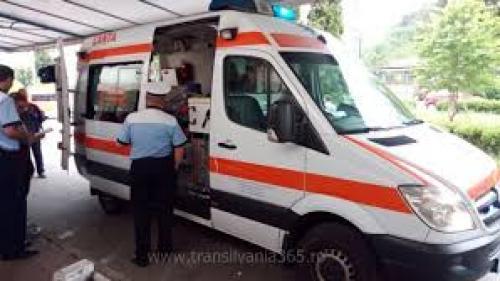 Vrancea: Un bebeluş a fost trimis de urgenţă la Bucureşti, după ce a fost scăpat din braţe de părinţi