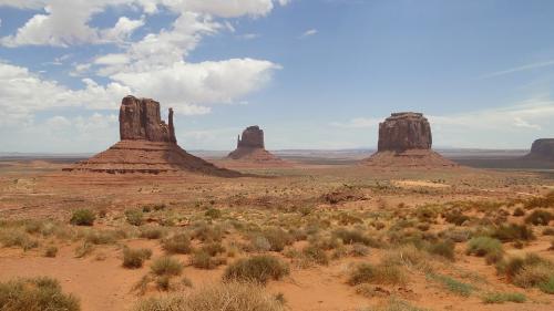 Un grup de mexicani va trăi în condițiile unui mediu ostil de pe Marte în deșertul din Utah