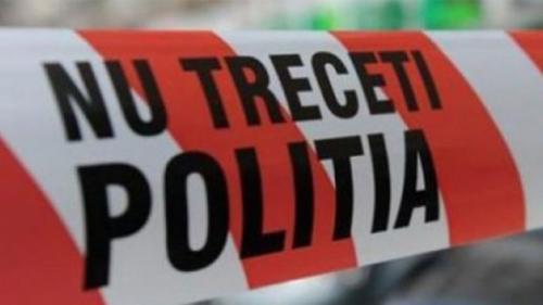 Arad: Doi oameni au fost găsiți carbonizați într-un autoturism răsturnat pe o șosea