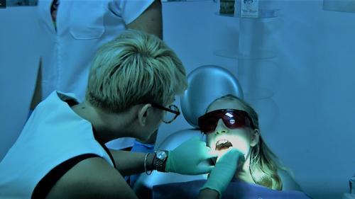 "Aparatul ortodontic – de la ""sperietoare"" la ""accesoriu chic"" (VIDEO)"
