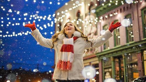 Horoscop de weekend, 8 - 9 decembrie. Apar oportunităţi pentru Gemeni