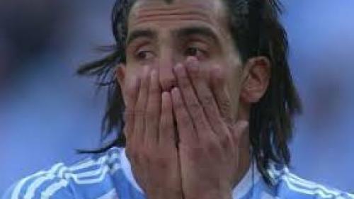 Carlos Tevez: Ne-au luat visul de a juca finala în țara noastră