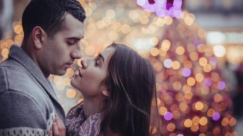 Horoscop. 3 semne zodiacale care vor avea parte de un sărut în noaptea de Revelion