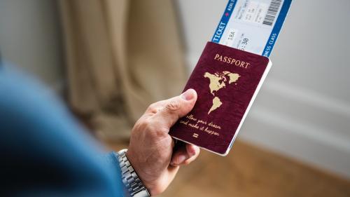 Practică a companiilor aeriene: Biletul de întoarcere este anulat, dacă ai pierdut zborul dus