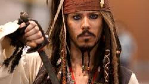 O femeie care s-a căsătorit cu un pirat de 300 de ani vrea să divorțeze