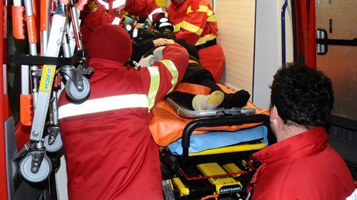 Accident GRAV la intrarea în municipiul Buzău. Cinci persoane au fost rănite