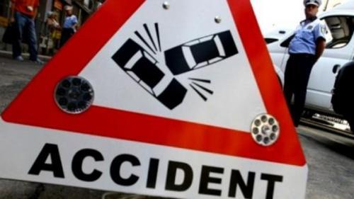 Accident MORTAL pe Şoseaua Chitilei. Un bărbat a murit după ce s-a răsturnat cu maşina pe linia de tramvai