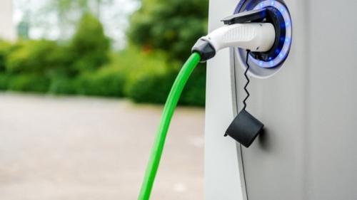 Alarmant! Încărcătoarele pentru vehiculele electrice devin vulnerabile în faţa infractorilor cibernetici