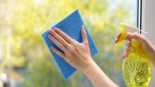 Cum se spală corect geamurile