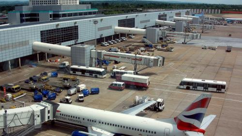 Gatwick va fi vândut companiei franceze Vinci Airports