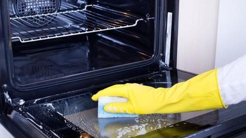 Cum scapi de grăsimea din cuptor