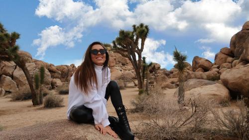 Mira & mirajul SUA: artista trăiește pentru a doua oară visul american