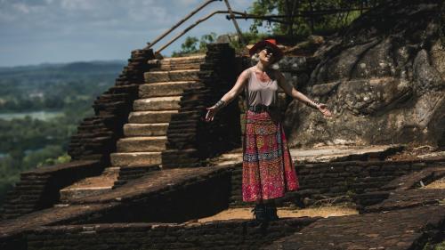 """Gina Pistol – regim de armată la filmările pentru """"Asia Express"""" în Sri Lanka şi India"""