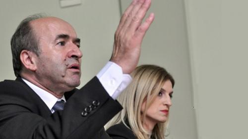 Ministrul justiţiei este de acord cu actualizarea onorariilor pentru avocaţii din oficiu