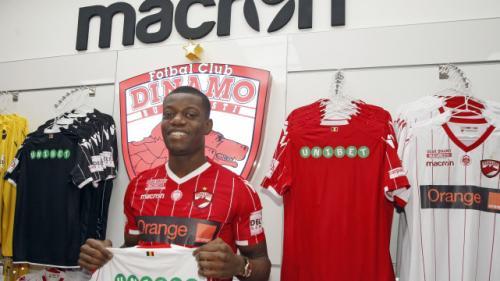 Dinamo l-a transferat pe atacantul angolez Alexander Christovao