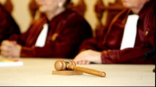 CCR discută pe 26 martie iniţiativa 'Fără penali în funcţii publice'