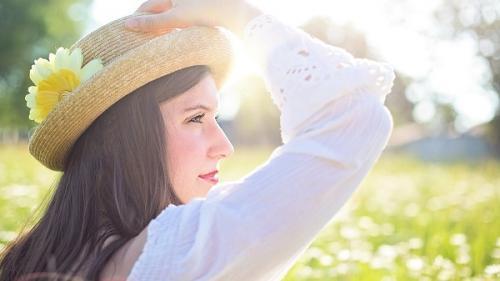 Gluma zilei: Ion, Măria și pălăria