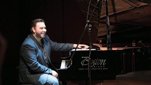 Citadela Artelor debutează la Castelul Peleș prin concertul jazz susținut de Sorin Zlat Quartet