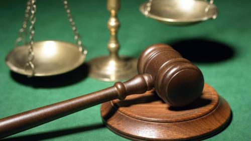 Proiect MJ: Condamnarea nu se poate întemeia pe declaraţiile investigatorului, colaboratorilor sau martorilor protejaţi