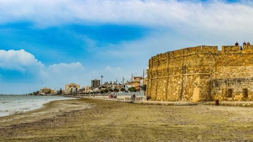 Vacanţe la plajă, în Cipru, în orice anotimp