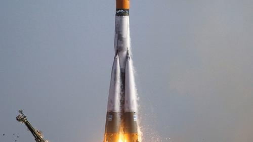 Roscosmos studiază amânarea lansării navetei Soyuz MC-13 la cererea NASA