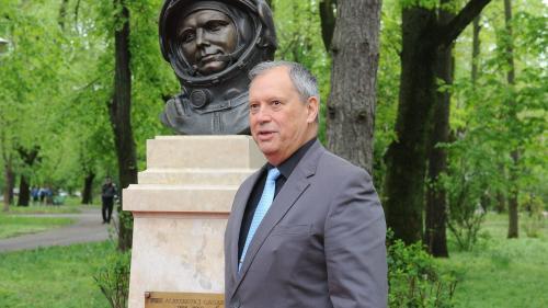 Bustul lui Gagarin, în Herăstrău