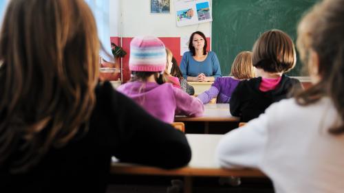 Meditaţii de pregătire a Evaluării  Naţionale, la şcoală. Elevii se opun