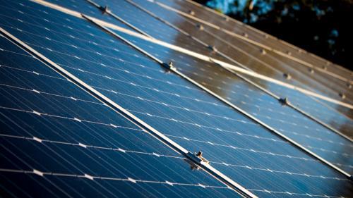 Raport: Un miliard de euro cheltuit în România, în energia regenerabilă, aduce o valoare adăugată de peste două miliarde de euro