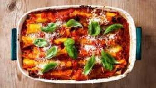 Reţeta zilei: Cannelloni cu carne şi sos béchamel