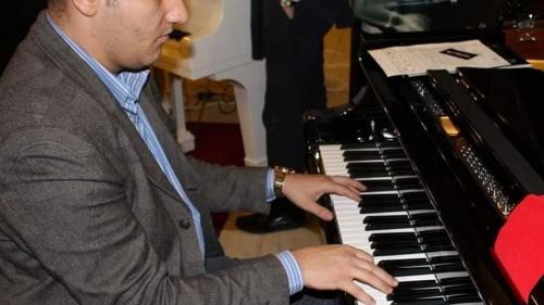 Profesorul care tratează ADHD cu pianul