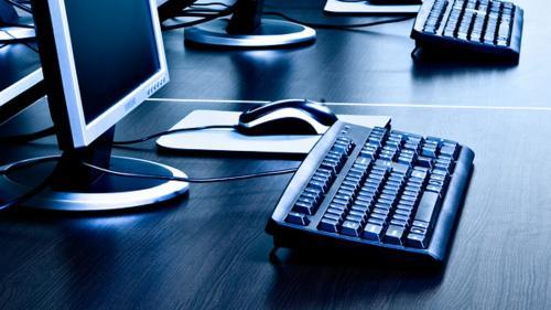 Calculatoare uzate, transformateîn echipamente IT pentru şcoli
