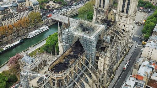 Franţa: Deschiderea unei anchete pentru apeluri la donaţii frauduloase sub pretextul reconstrucţiei catedralei Notre-Dame
