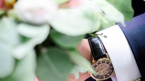 Ceasuri pentru costumele de nunta. - Ce ceas s-ar potrivi pentru barbati la cea mai importanta zi din viata femeii?