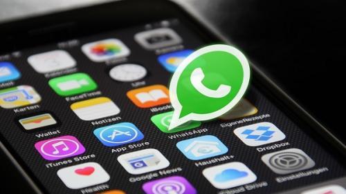 Mesageria WhatsApp şi-a sfătuit utilizatorii să îşi actualizeze aplicaţia, în contextul unui atac informatic