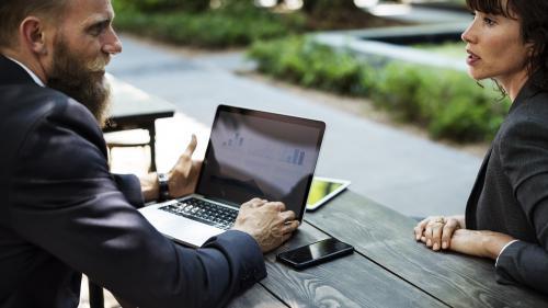 """Sindromul """"burnout"""" distruge și afacerea, nu doar angajații"""