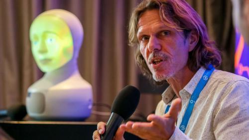 Cel mai avansat robot social a venit în România