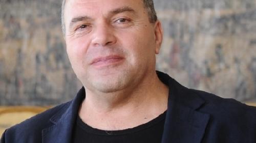 """Constantin Chiriac, director al Teatrului Național """"Radu Stanca"""", a primit Ordinul Soarelui Răsare"""