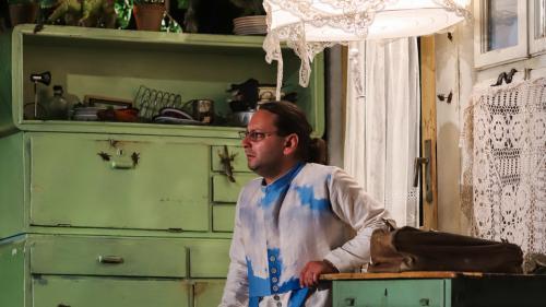 BILLY ȘCHIOPUL - cea mai recentă premieră a Teatrului de Stat din Constanța - o comedie neagră despre dragoste și cruzime